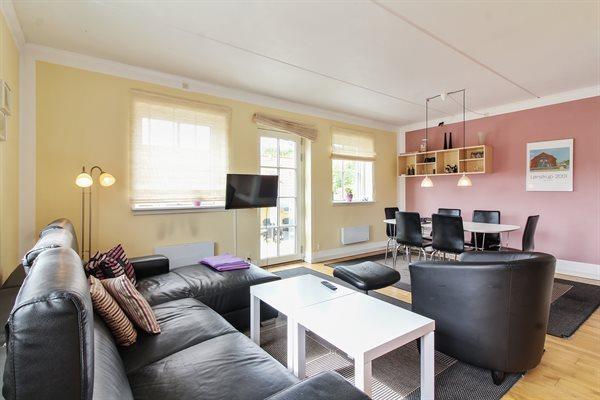 Semester lägenhet, 11-0221