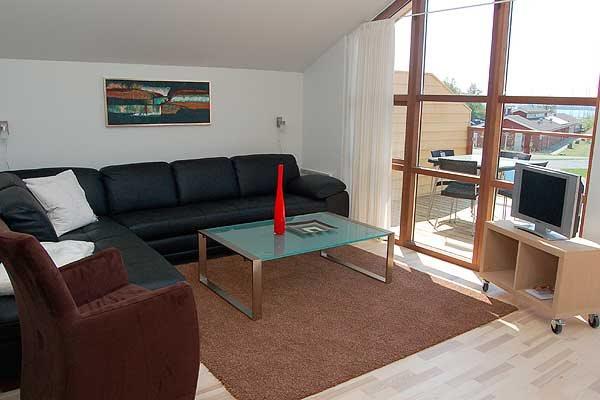 Sommerhus i ferieby, 64-3047