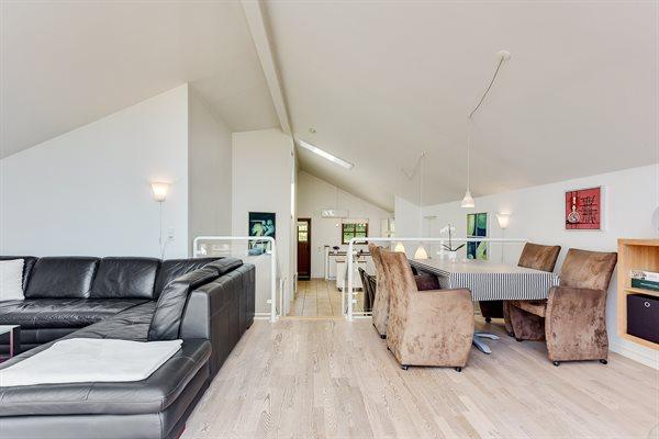 Sommerhus i ferieby, 64-3049