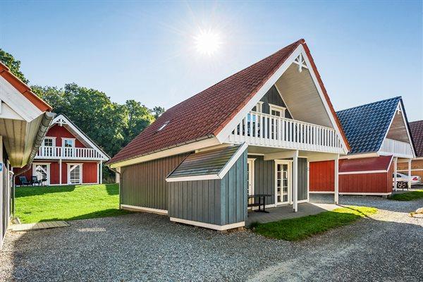 Sommerhus i ferieby, 64-3849