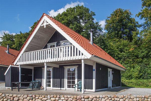 Sommerhus i ferieby, 64-3855