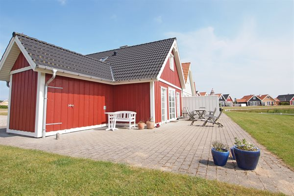 Sommerhus i ferieby, 73-0051