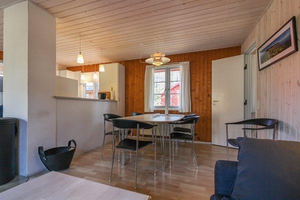 Sommerhus i ferieby, 95-9040