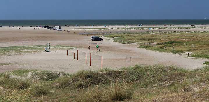 Der breite Sandstrand bei Fanø Bad ist auch für Strandaktivitäten ideal
