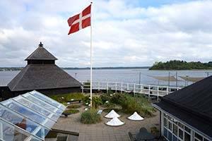 Have med udsigt over fjorden