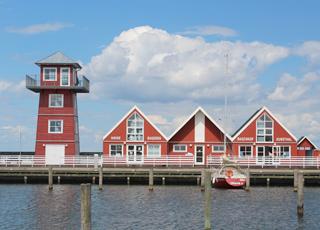 Kunsthal, bager og udsigtstårn i Bagenkop Havn