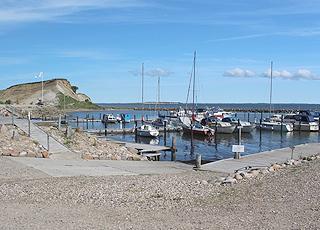 Kleiner, charmanter Hafen beim Steilhang Ejerslev Klingt