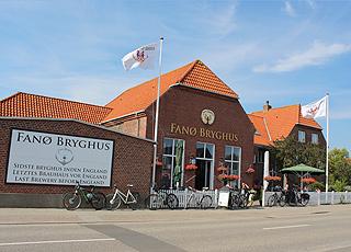 Fanø Bryghus er beliggende tæt ved sommerhusene i Fanø, Grøndal
