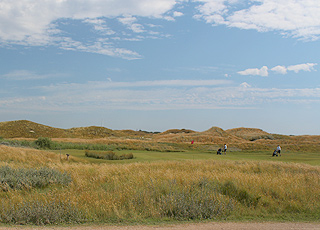 Fanø Golf Links ligger tæt ved sommerhusområdet i Grøndal