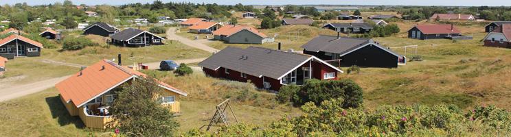 Hyggelige sommerhuse i grønne omgivelser bag kysten i Fanø, Grøndal