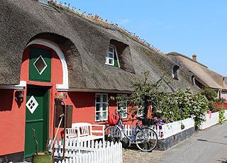Stråtækte huse i Nordbys små gader