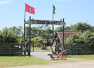 Den flotte minigolfbane hos Pirat Golf i Fanø, Nyby