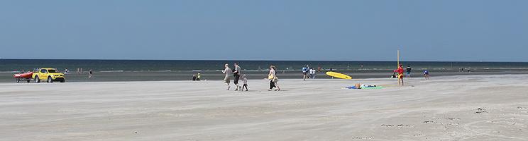 Sommerhusene i Fanø Nyby ligger bag den brede strand i Rindby