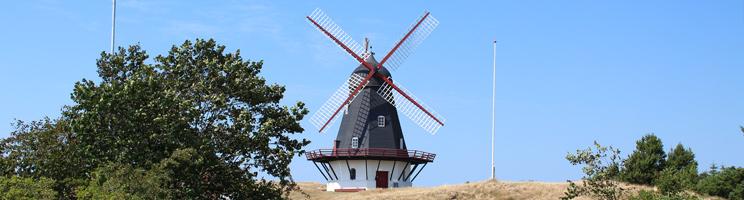 Den smukke, hollandske vindmølle Sønderho Mølle fra 1895 er et af Sønderhos vartegn