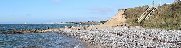 Trappe ned til stranden ved ferieområdet Gedser Odde