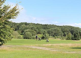 Golfspiller på banen ved Ørnehøj Golfklub i Gistrup