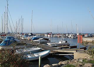 Gjøl byder på en stor og stemningsfuld lystbådehavn