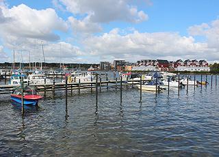 Lystbådehavn og ferielejligheder ved vandet i Gråsten