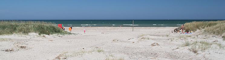 Sommerdag på badestranden i Grønne Strand