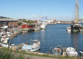 Hvide Sandes fiskerihavn er meget aktiv året rundt