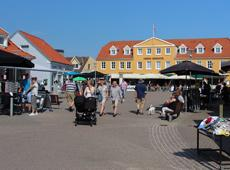 Activity and vibrant atmosphere on the square of Løkken