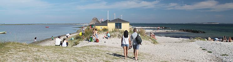 Die gemütliche Landenge Eriks Hale mit Strandhäusern und schönen Stränden in Marstal auf  Ærø