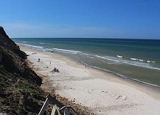 Badegäste am Strand bei Nr. Rubjerg
