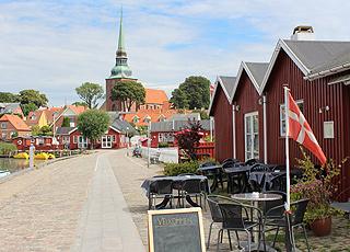 Stemningsfuldt miljø langs havnen i ferieområdet Nysted