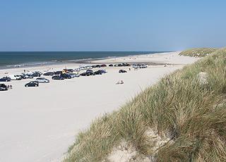 I kan medbringe bilen på den skønne sandstrand i Vejers