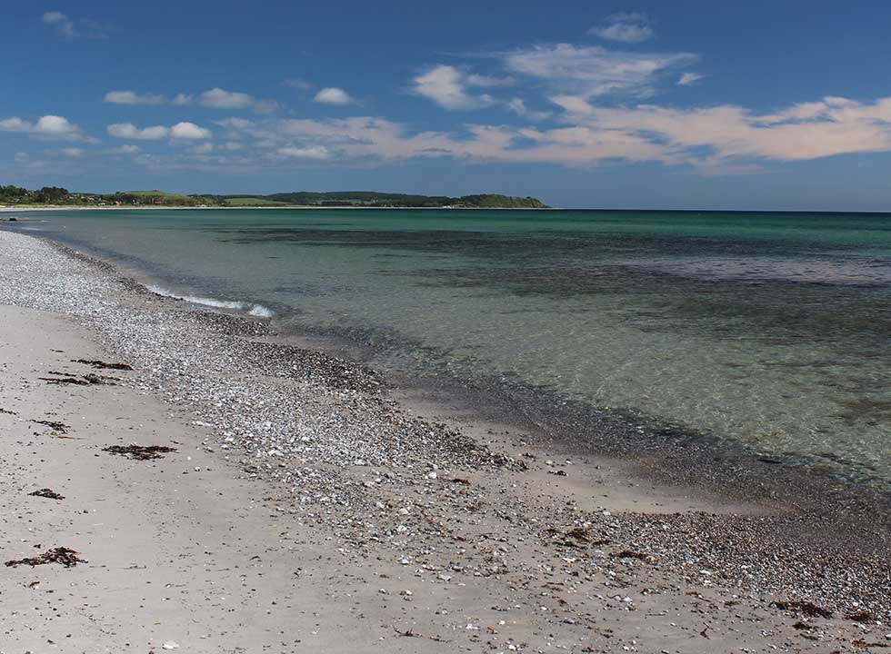 Dejligt badevand i bugten ud for Dråby på Syddjursland