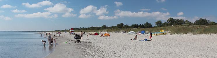 Ved Marielyst på Lolland kan I bade ved den dejlige, kilometerlange sandstrand