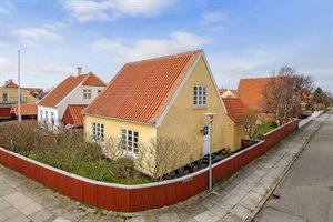 Stuga i en stad, 10-0306, Skagen, Midtby