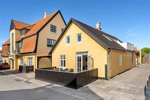 Stuga i en stad, 10-0323, Skagen, Midtby
