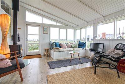 Holiday home, 11-4242, Lokken