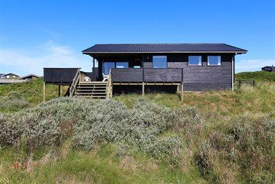 Holiday home, 11-4332, Lokken