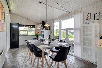 Holiday home, 11-4464, Lokken