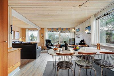 Holiday home, 22-0105, Houvig