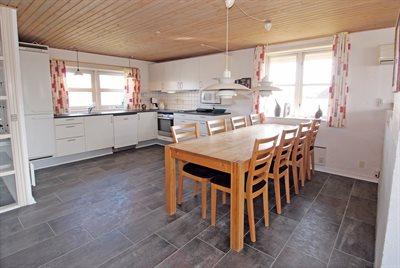 Holiday home, 26-0476, Blaavand