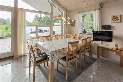 Holiday home, 41-2025, Tolne