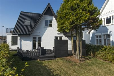 Holiday home in a town, 44-0399, Hou