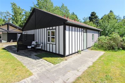 Holiday home in a holiday village, 82-0774, Marielyst
