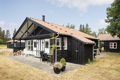 Holiday home in a holiday village, 82-0828, Marielyst