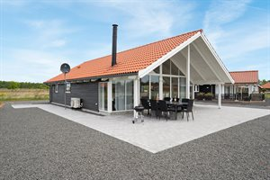 Holiday home in a holiday village, 82-0879, Marielyst