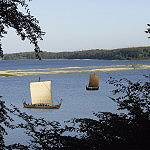 Vikingschepen in de baai Kattinge Vig