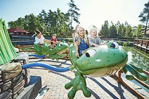 Take a ride in the frogs in Bondegårdsland