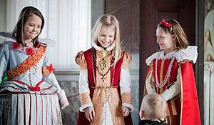 Det Nationalhistoriske Museum Mädchen in  Verkleidung