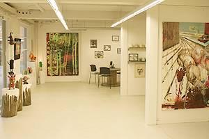 Different art works and handicrafts in Galleri Djurs