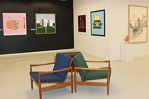 Sit comfortably when you admire the art in Galleri Djurs