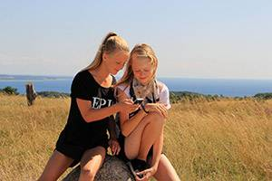 Two girls in Nationalpark Mols Bjerge