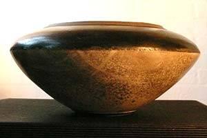 Black and grey pot